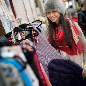 CROYDON PARTNERSHIP HOSTS FESTIVE TEENAGE MARKET IN WHITGIFT CENTRE